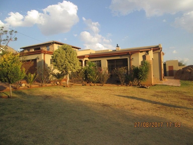 Johannesburg, Naturena Property  | Houses For Sale Naturena, Naturena, House 4 bedrooms property for sale Price:1,200,000