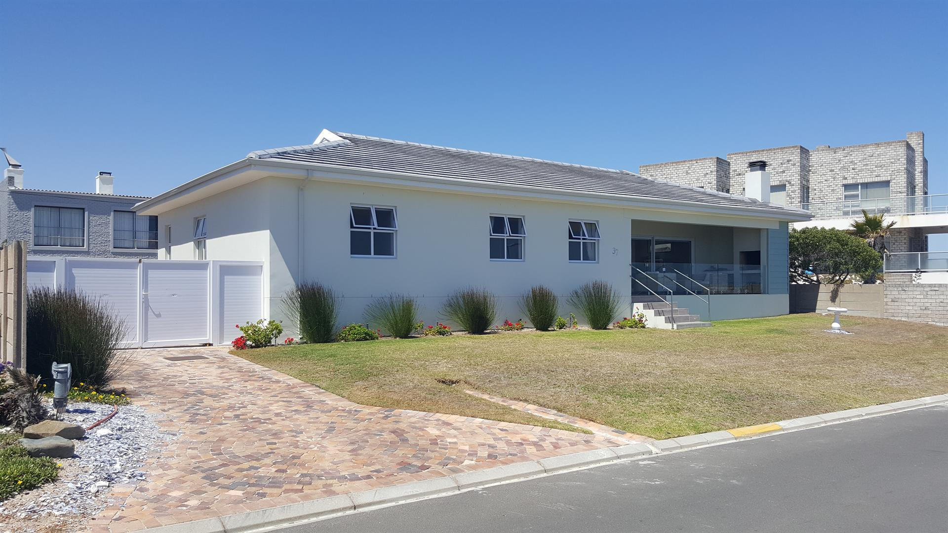 Yzerfontein property for sale. Ref No: 13454156. Picture no 45
