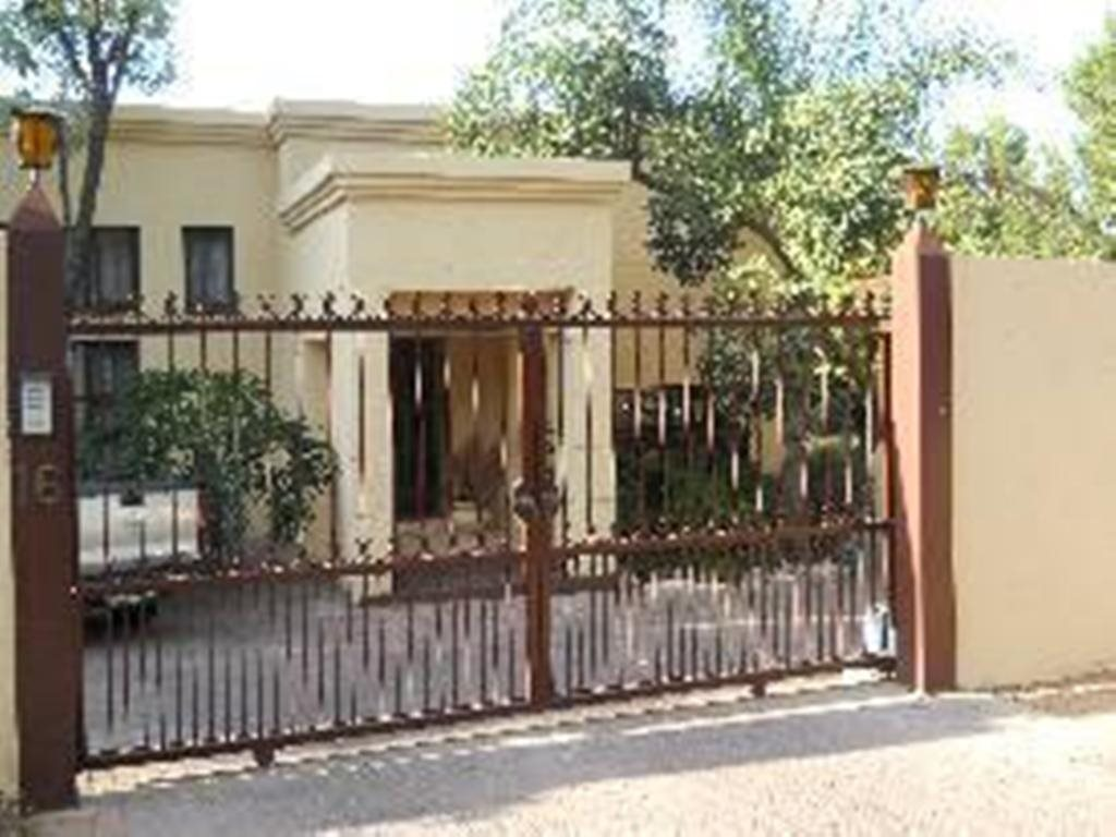 Property and Houses for sale in Amandasig, House, 4 Bedrooms - ZAR 1,800,000