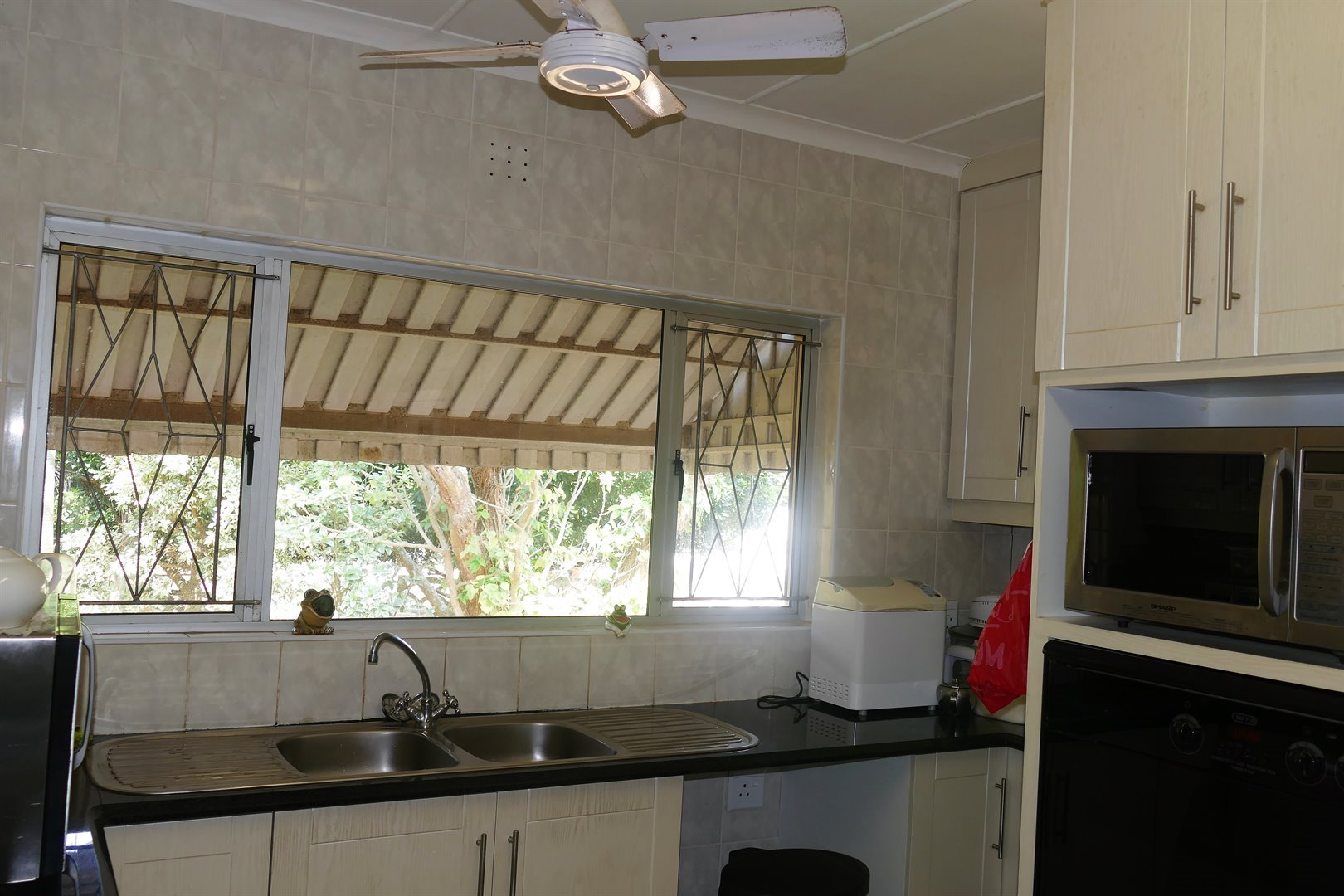 Scottburgh South property for sale. Ref No: 13476955. Picture no 10