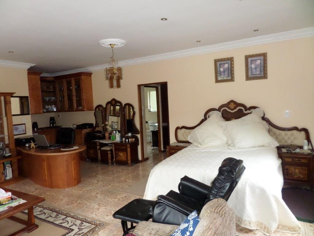 Sea Park property for sale. Ref No: 12768868. Picture no 22