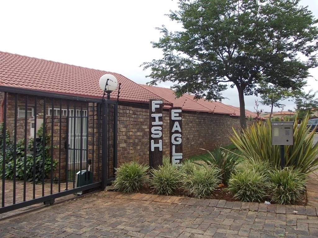 Property to Rent by Yvette Hutton, Apartment, 1 Bedrooms - ZAR ,  5,50*,M