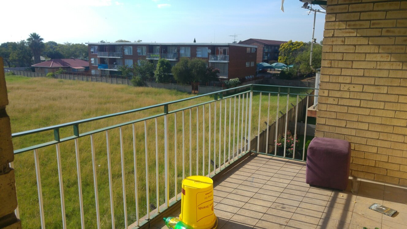 Property and Houses for sale in Gauteng - Page 1761, Apartment, 2 Bedrooms - ZAR 381,000