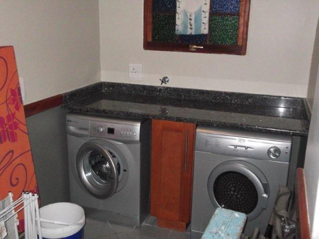 Margate property for sale. Ref No: 12737884. Picture no 22