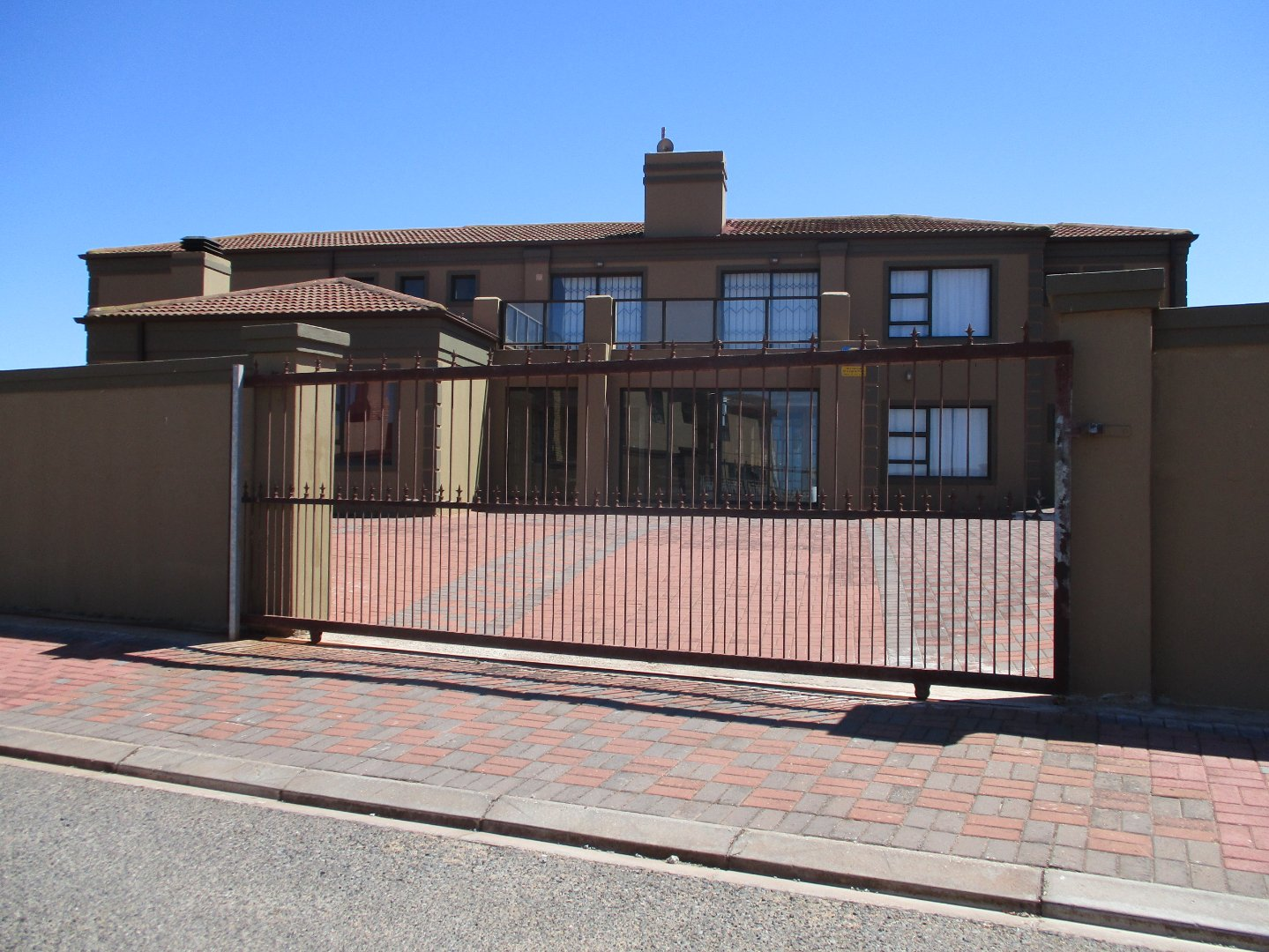 Property and Houses for sale in Vredenburg, House, 6 Bedrooms - ZAR 3,300,000