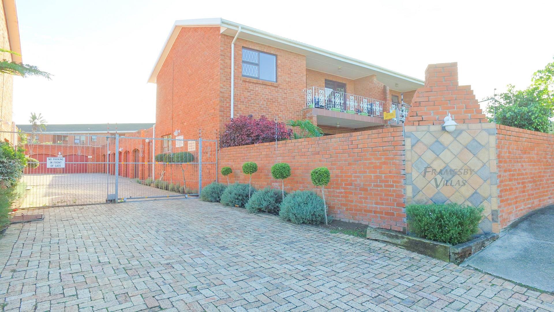 Port Elizabeth, Kabega Property    Houses For Sale Kabega, Kabega, Apartment 3 bedrooms property for sale Price:725,000