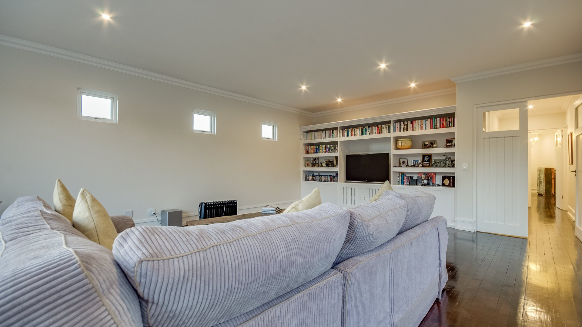 Benmore Gardens property for sale. Ref No: 13524490. Picture no 6