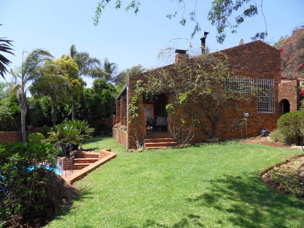 Glenvista property for sale. Ref No: 13402362. Picture no 41