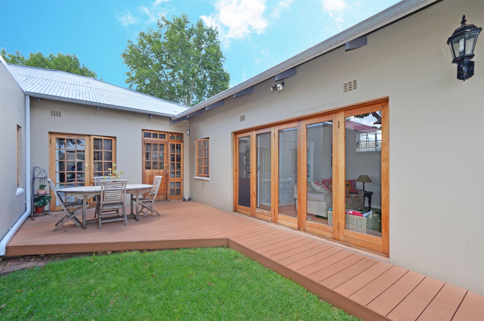 Johannesburg, Parkhurst Property    Houses For Sale Parkhurst, Parkhurst, House 4 bedrooms property for sale Price:3,300,000