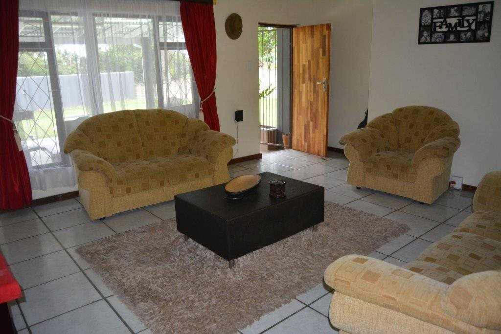 Uvongo property for sale. Ref No: 13590094. Picture no 6