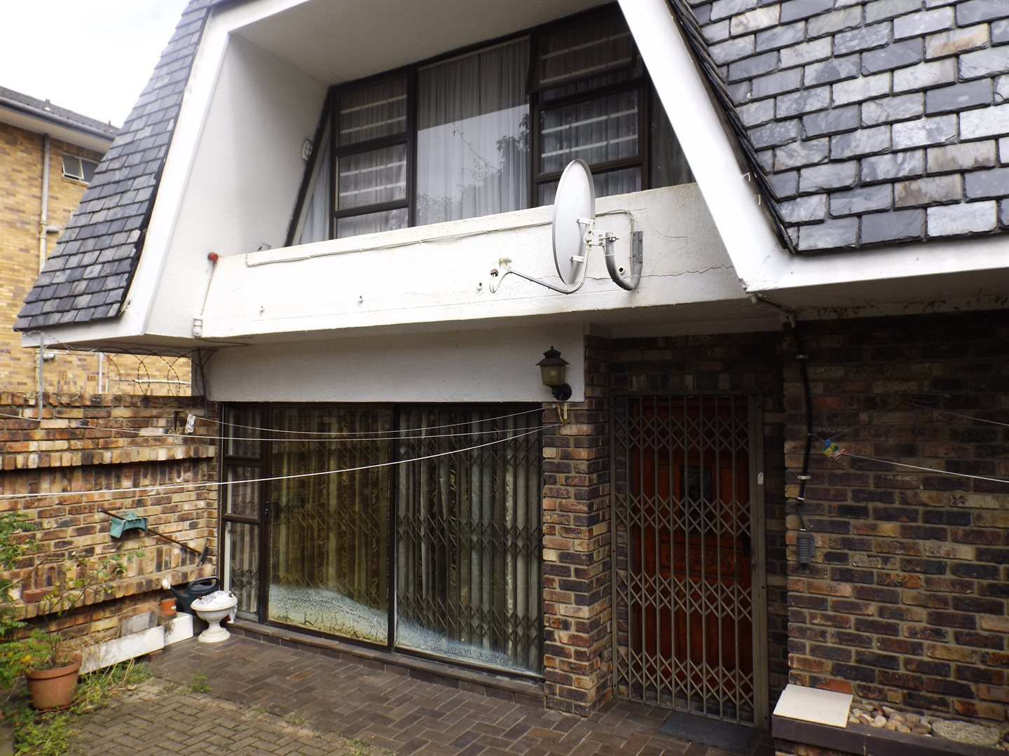 East London, Southernwood Property  | Houses For Sale Southernwood, Southernwood, Townhouse 3 bedrooms property for sale Price:1,085,000