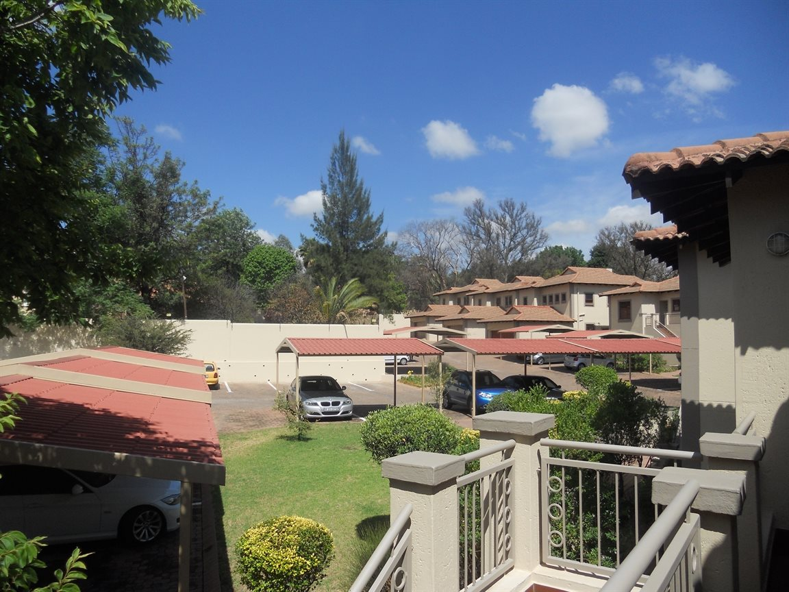 Bryanston property to rent. Ref No: 13270639. Picture no 16