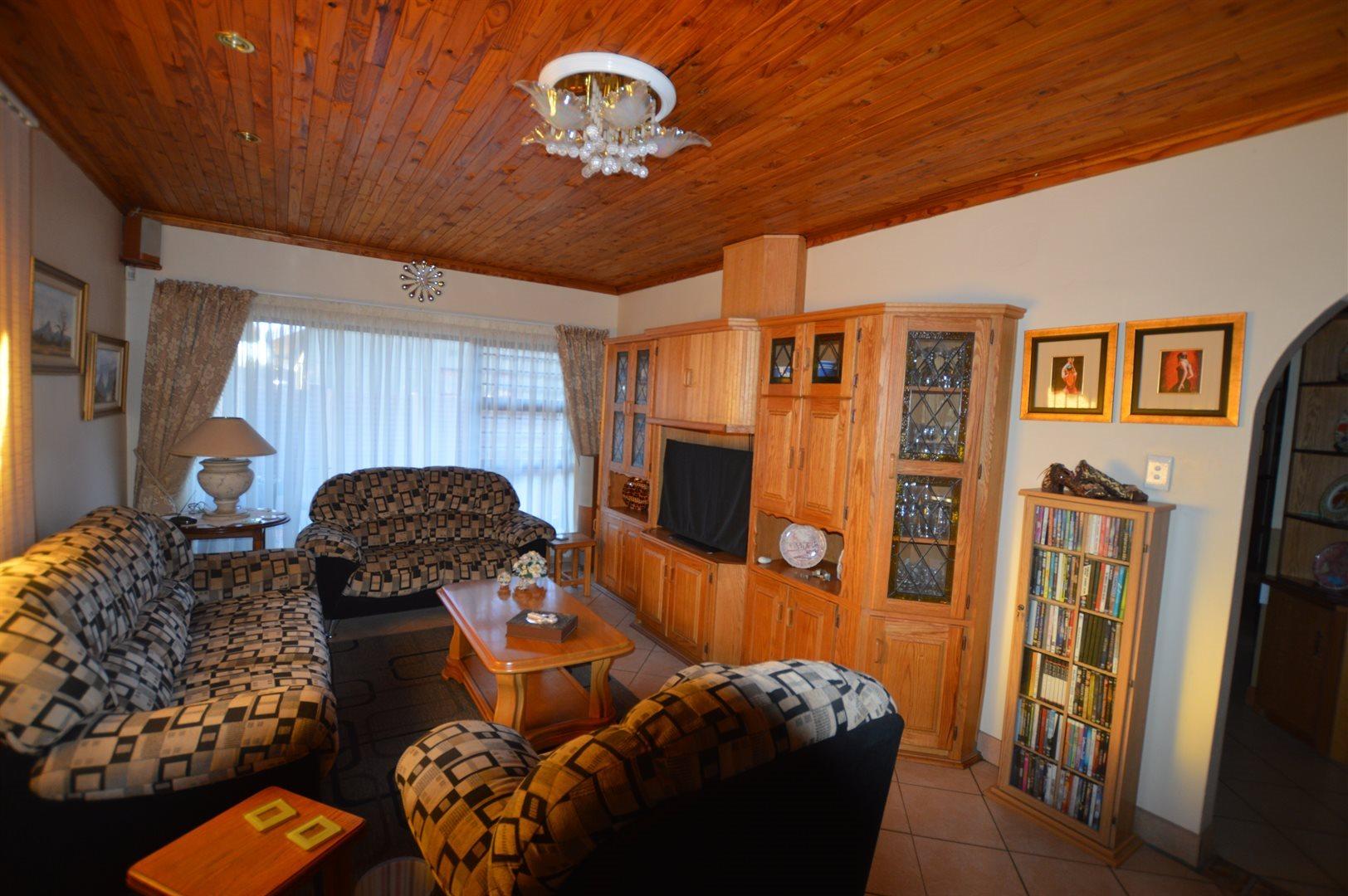 Vanderbijlpark Se6 property for sale. Ref No: 13523020. Picture no 5