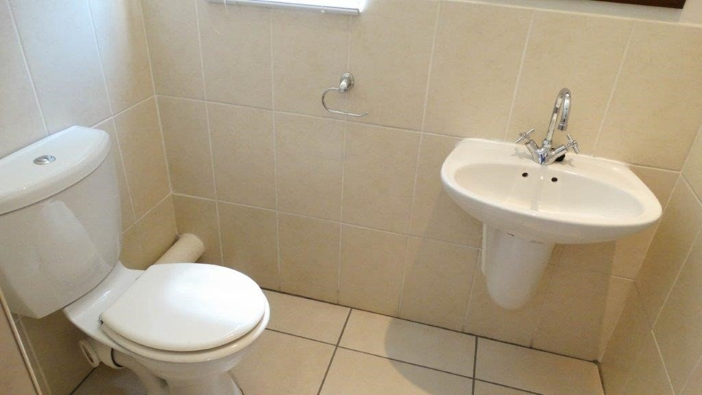 Broadacres property to rent. Ref No: 13423040. Picture no 8