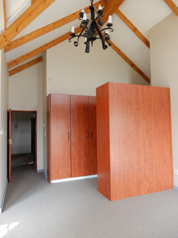 Eldo View property for sale. Ref No: 13571784. Picture no 22