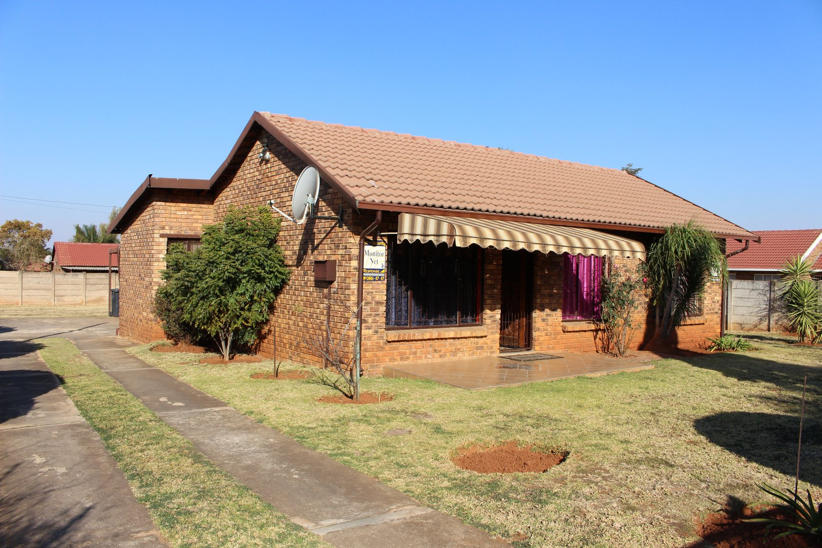 Property and Houses for sale in Heuweloord, House, 3 Bedrooms - ZAR 1,185,000