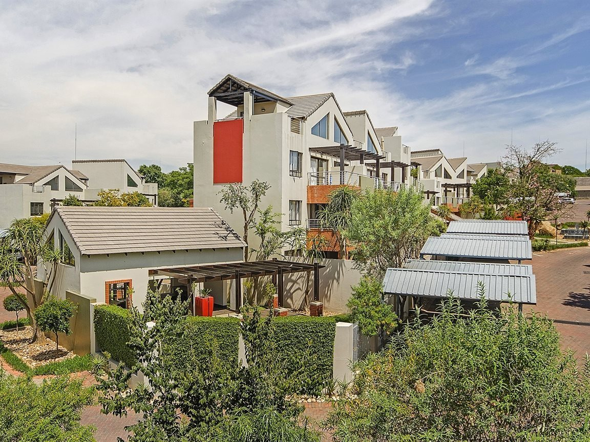 Sandton, Lonehill Property  | Houses For Sale Lonehill - Page 4, Lonehill, Apartment 1 bedrooms property for sale Price:795,000