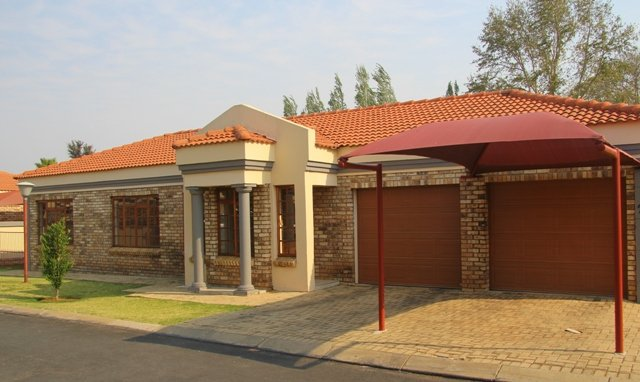Potchefstroom, Grimbeeck Park Property    Houses To Rent Grimbeeck Park, Grimbeeck Park, Townhouse 2 bedrooms property to rent Price:,  7,00*