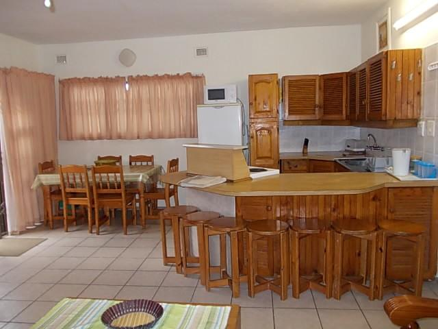 Uvongo property for sale. Ref No: 13316107. Picture no 8