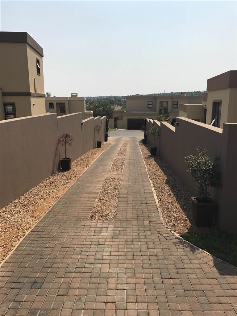 Midrand, Kyalami Hills Property  | Houses For Sale Kyalami Hills, Kyalami Hills, House 3 bedrooms property for sale Price:2,890,000