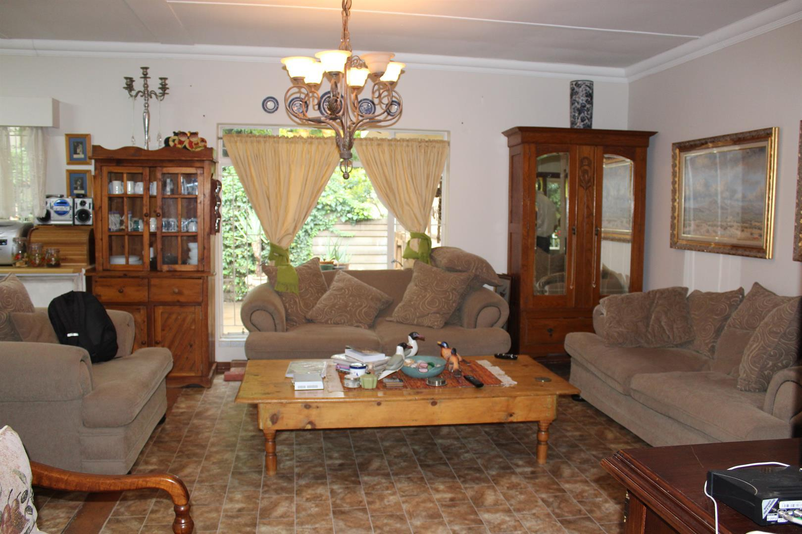 Potchefstroom Central property for sale. Ref No: 13453532. Picture no 2