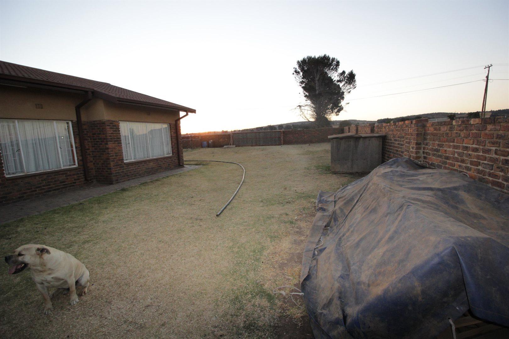 Falcon Ridge property for sale. Ref No: 13528108. Picture no 16
