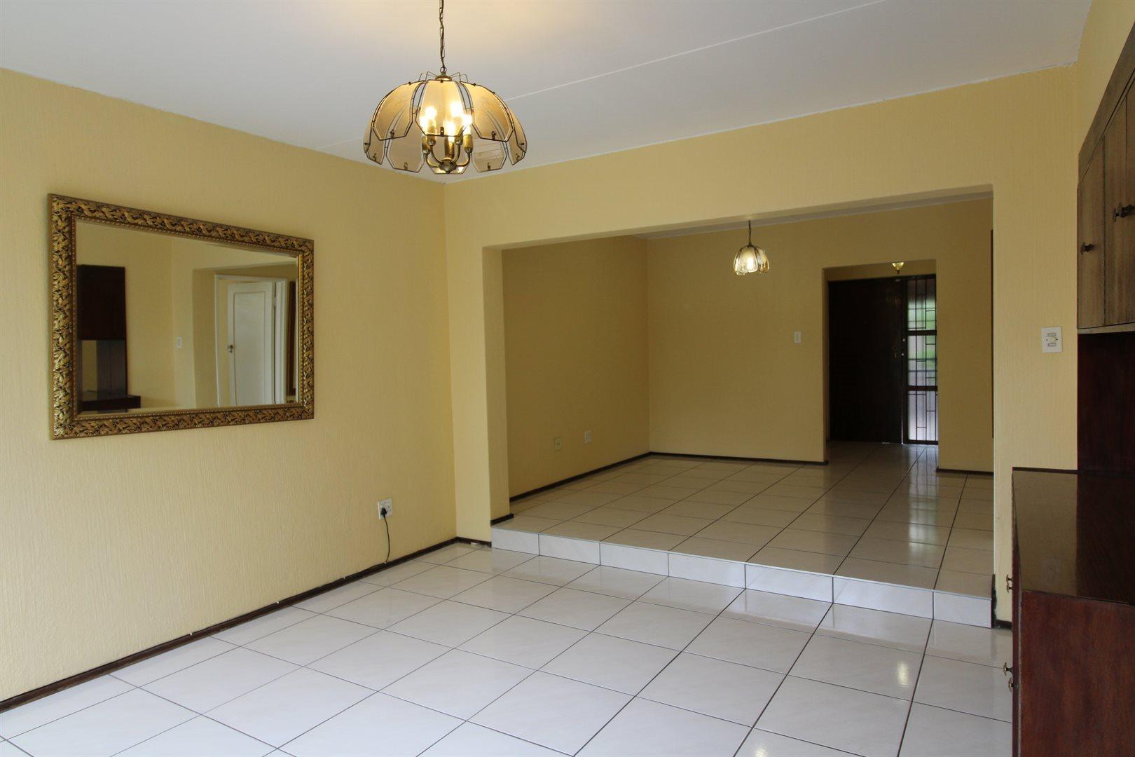 Bryanston property for sale. Ref No: 13552406. Picture no 8