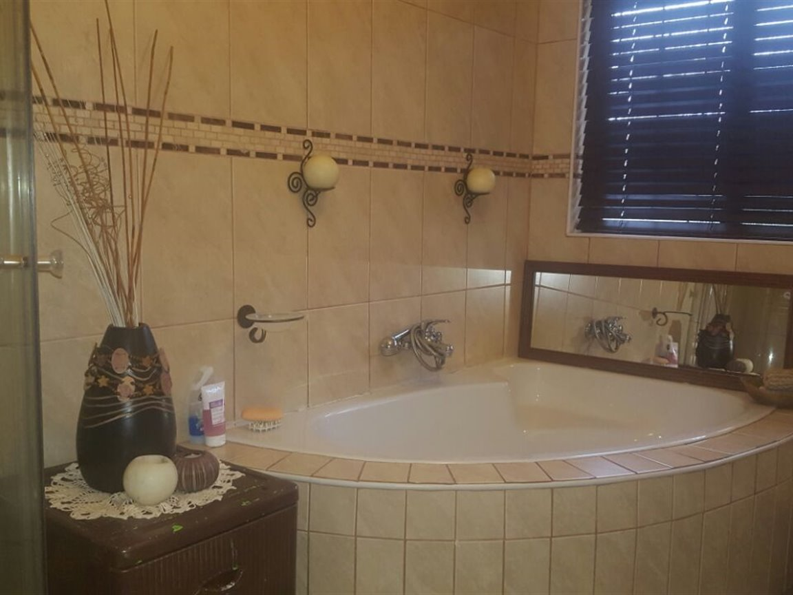 Richards Bay property for sale. Ref No: 13394825. Picture no 9