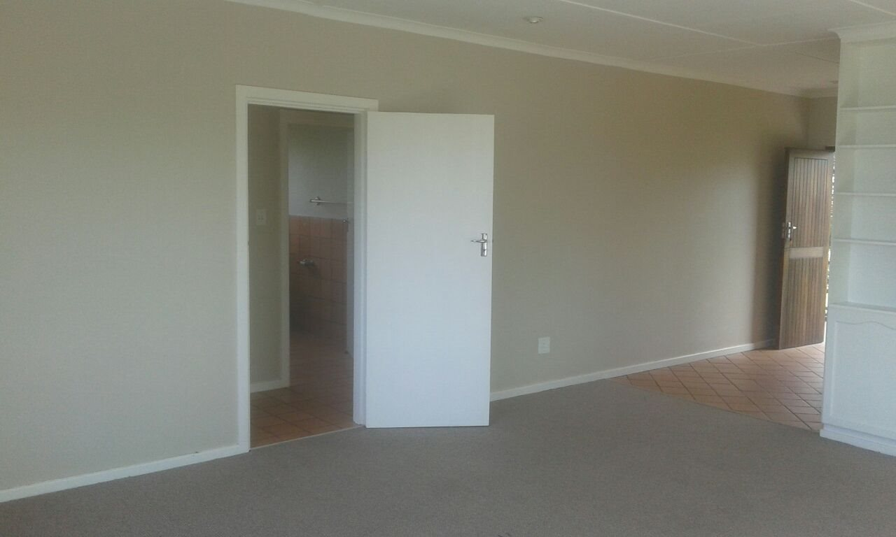 Beacon Bay property for sale. Ref No: 13566308. Picture no 47