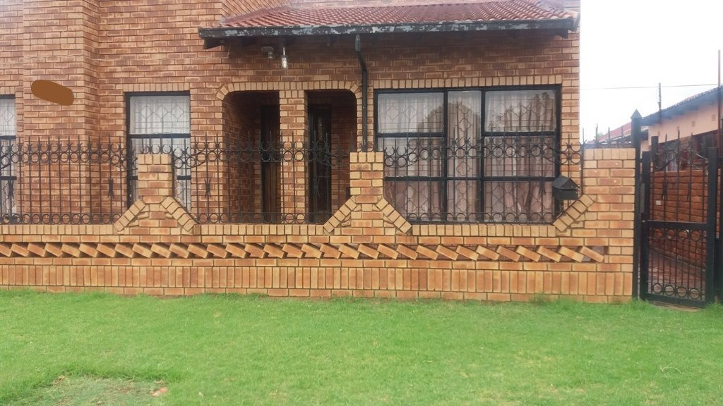 Soshanguve Bb property for sale. Ref No: 13552426. Picture no 2