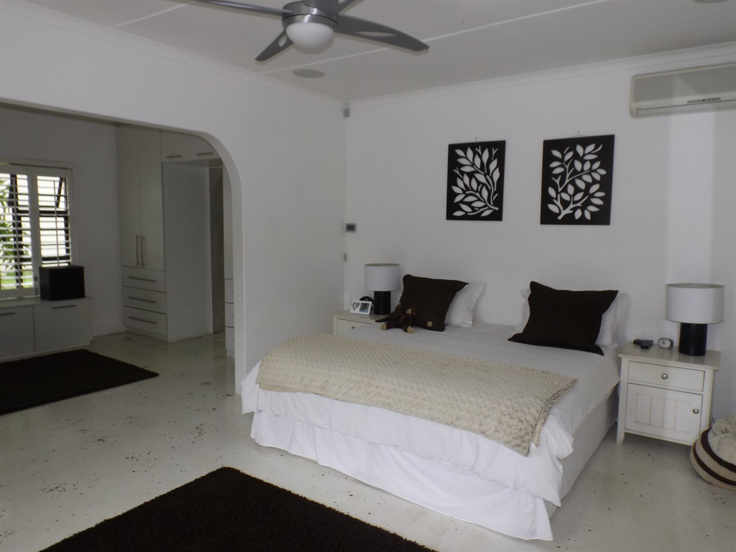 Nahoon Valley property for sale. Ref No: 13603956. Picture no 11