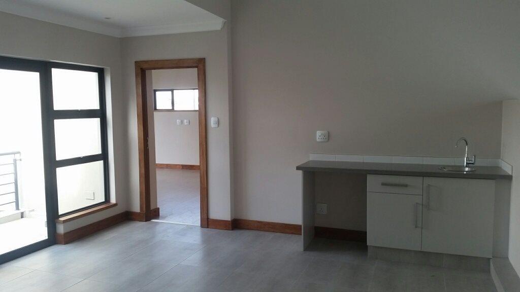 Midstream Ridge Estate property for sale. Ref No: 13379169. Picture no 10