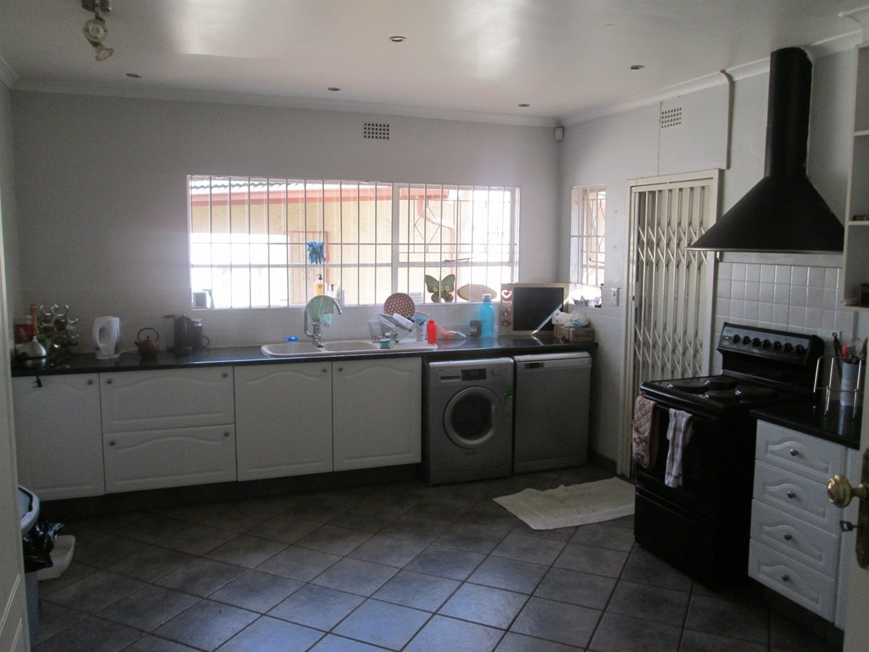 Brackenhurst property for sale. Ref No: 13540618. Picture no 18