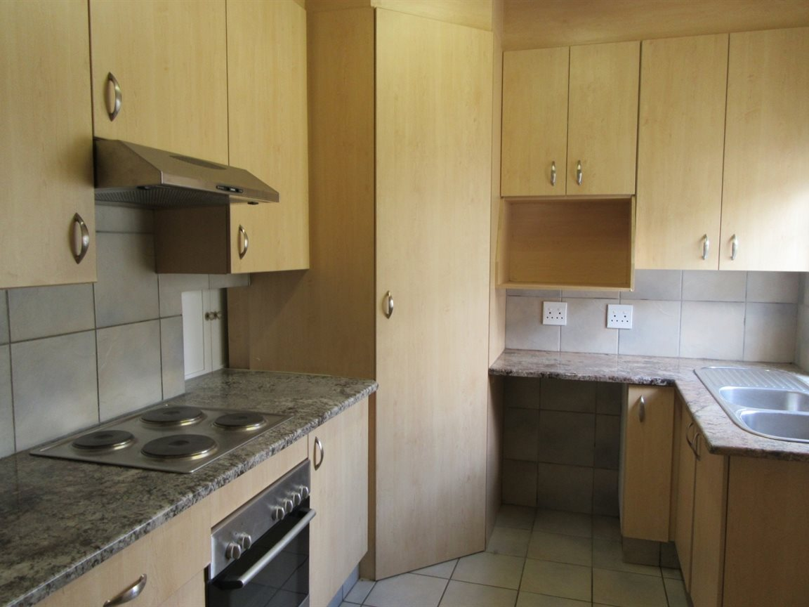 Parkmore property to rent. Ref No: 13400827. Picture no 4