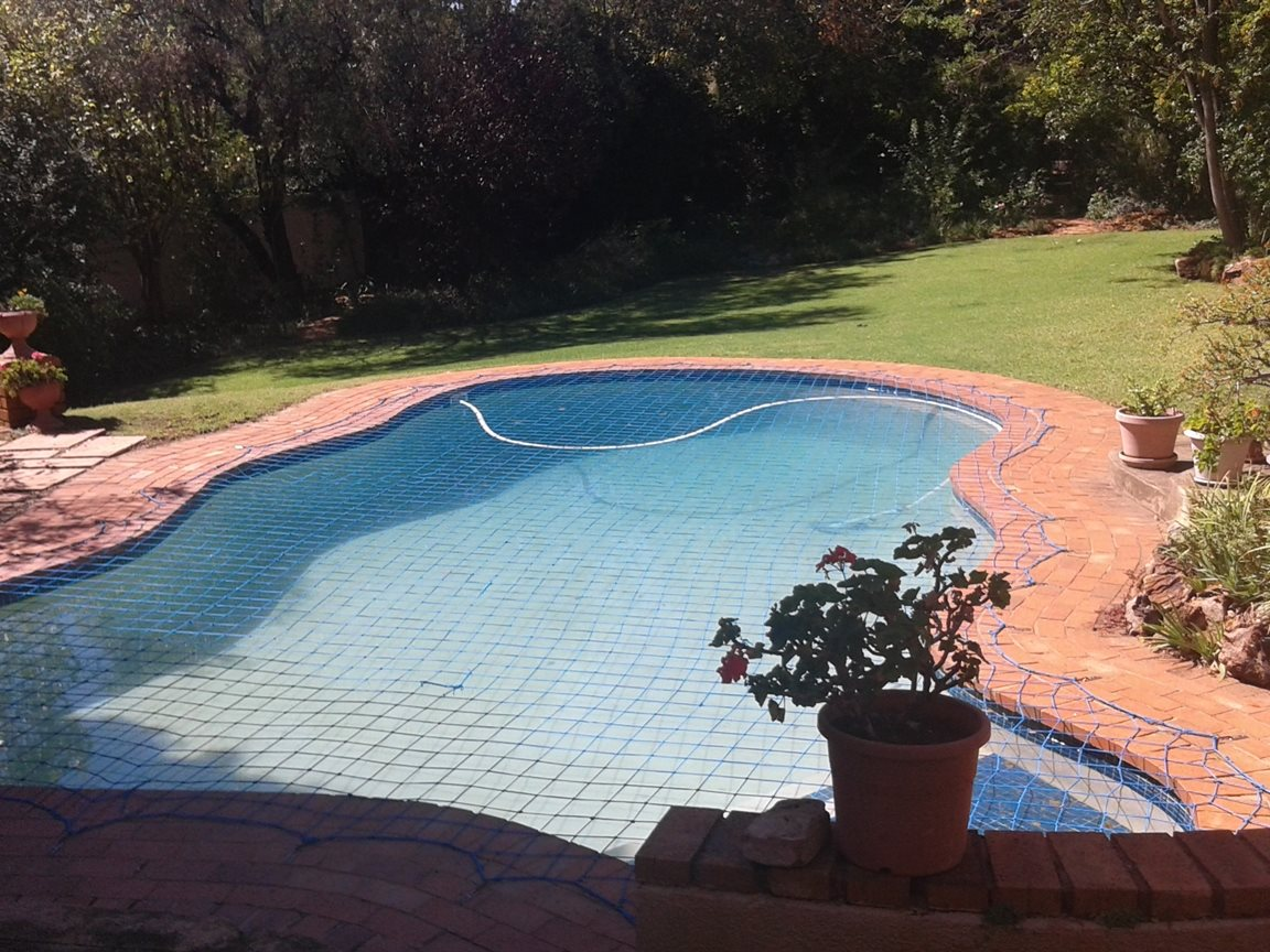 Northcliff property for sale. Ref No: 13327608. Picture no 2
