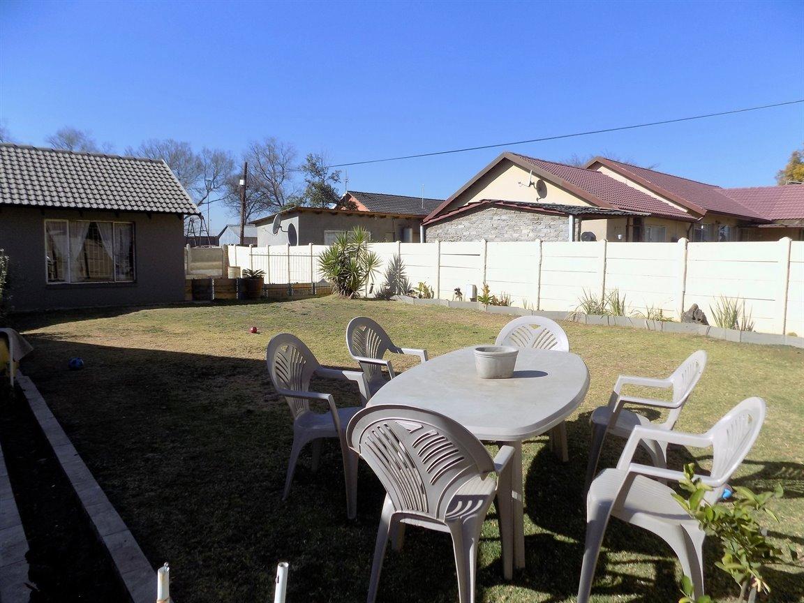 Alberton property for sale. Ref No: 13393819. Picture no 17