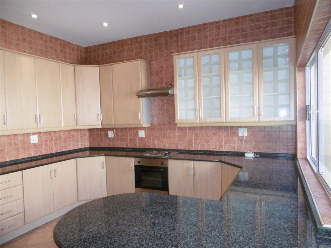 Bryanston property for sale. Ref No: 13531296. Picture no 2