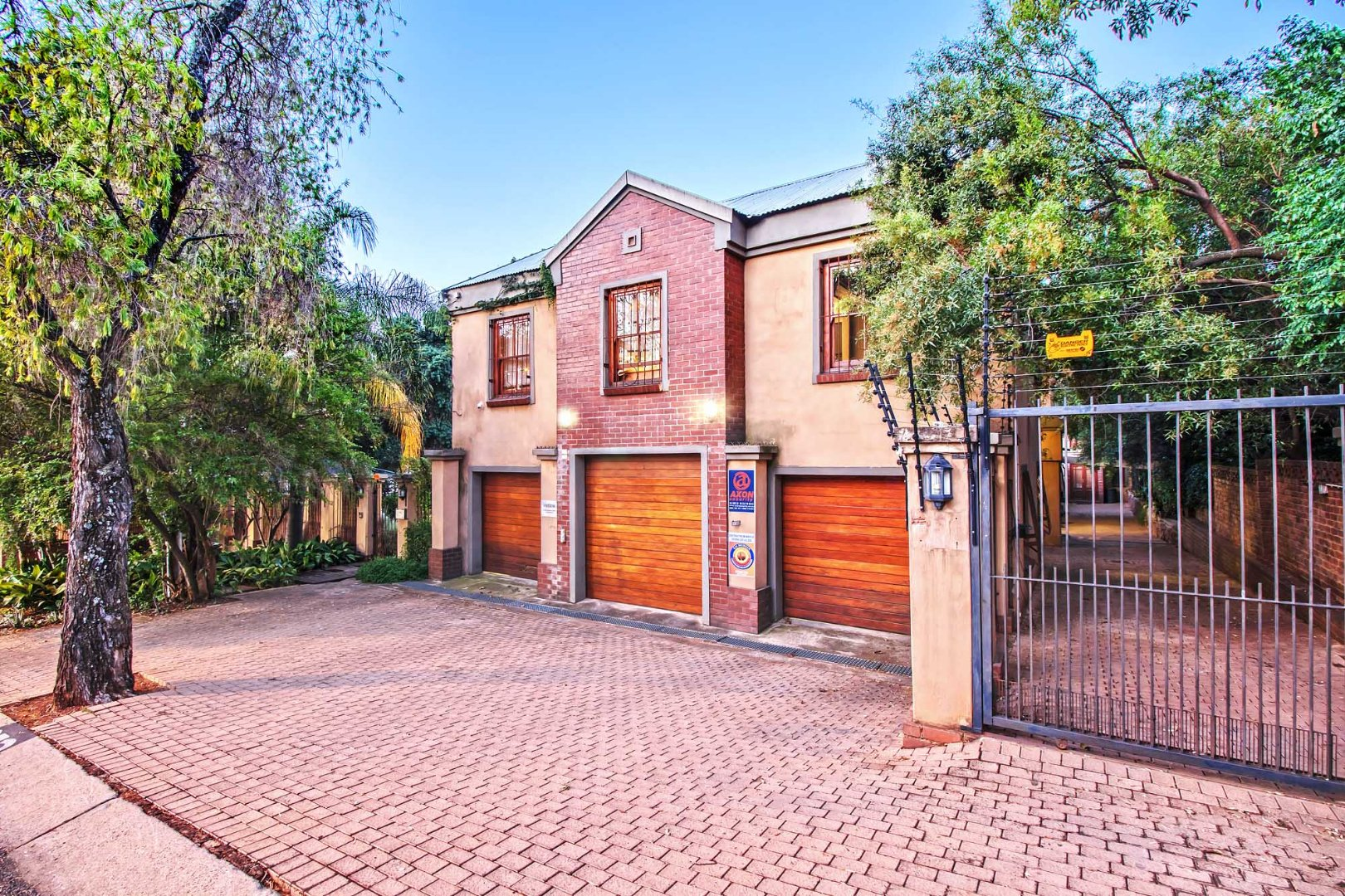 Property and Houses for sale in Groenkloof, House, 4 Bedrooms - ZAR 4,350,000