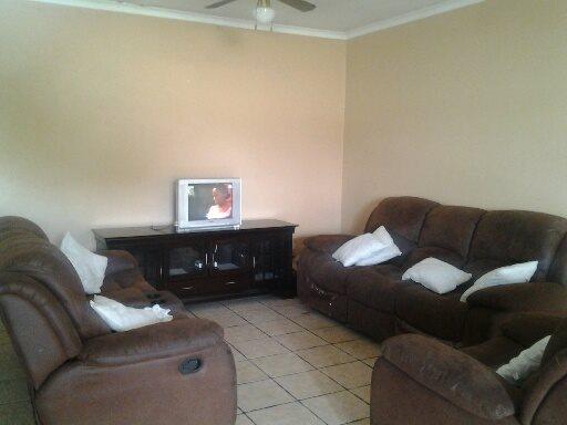 Vereeniging property for sale. Ref No: 12765246. Picture no 4