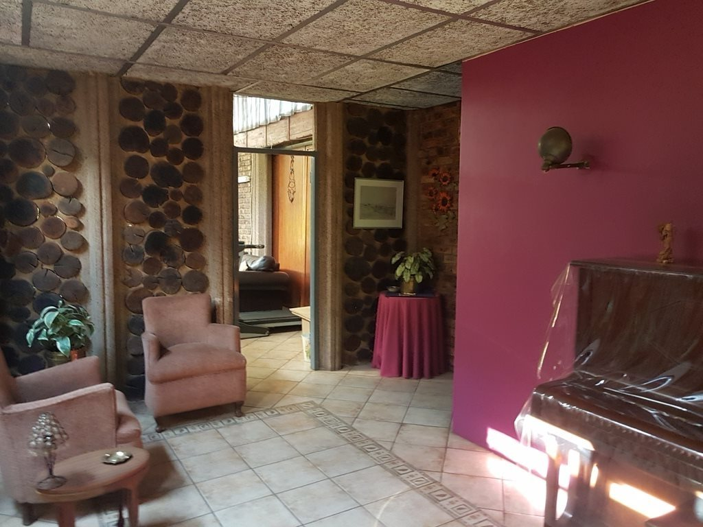 Heatherdale property for sale. Ref No: 13635556. Picture no 20