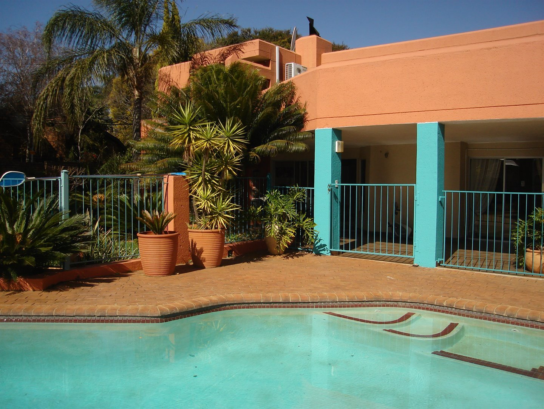Eldoraigne property for sale. Ref No: 13494397. Picture no 2
