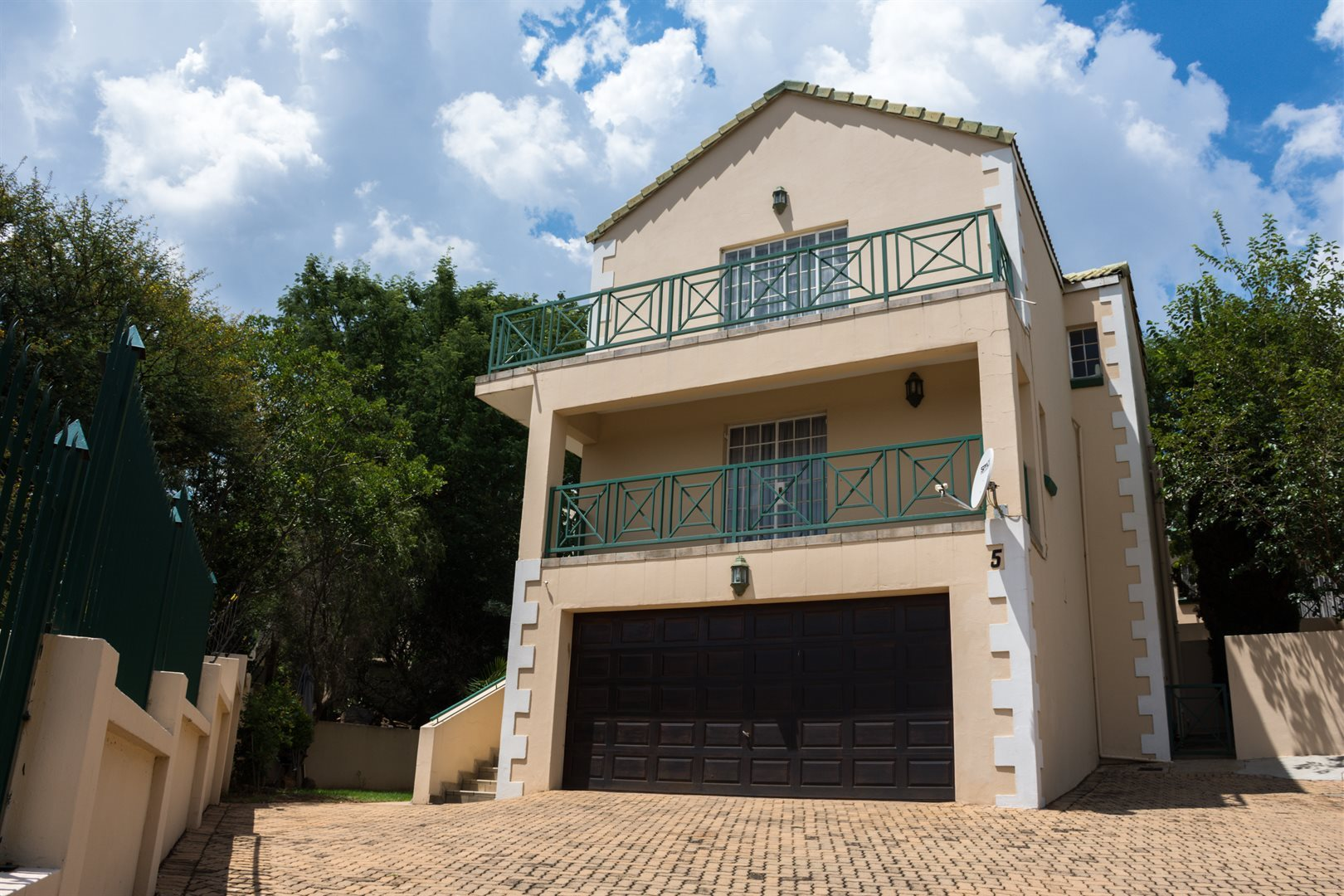 Property and Houses for sale in La Montagne, Townhouse, 3 Bedrooms - ZAR 1,500,000