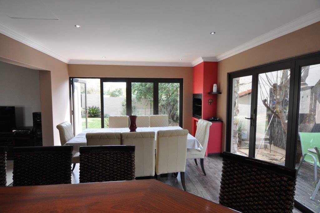 Broadacres property to rent. Ref No: 13503978. Picture no 5