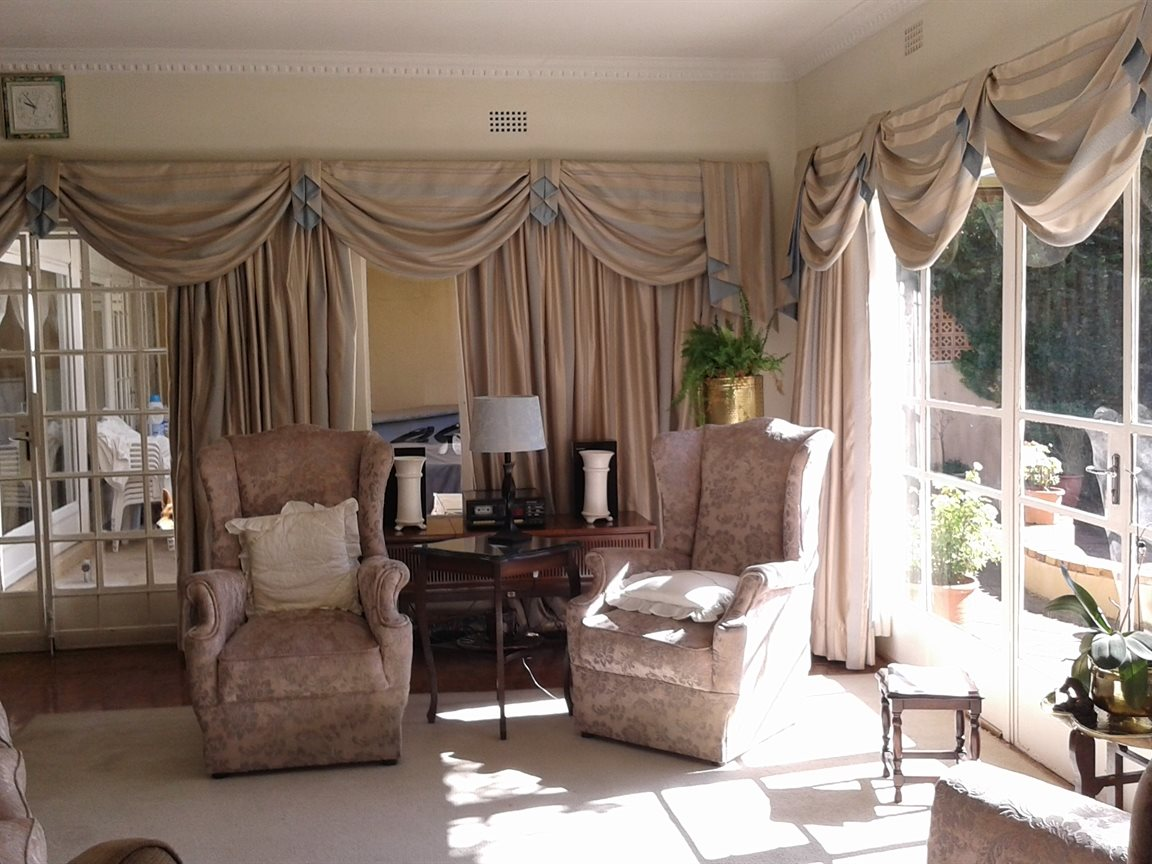 Northcliff property for sale. Ref No: 13327608. Picture no 3