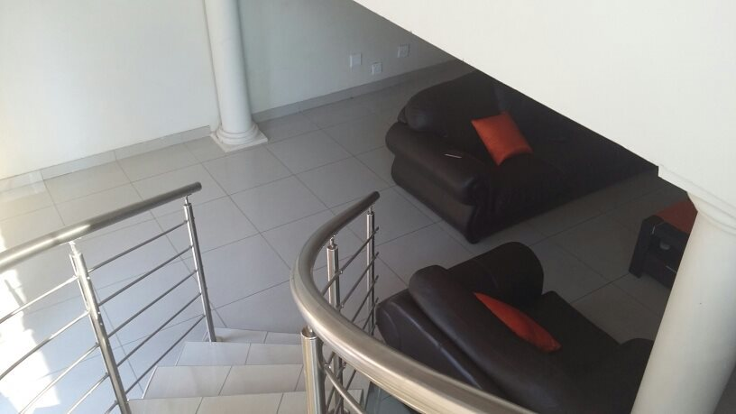 Karenpark property for sale. Ref No: 13565301. Picture no 16
