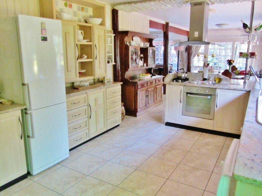 Southbroom property for sale. Ref No: 13399135. Picture no 6