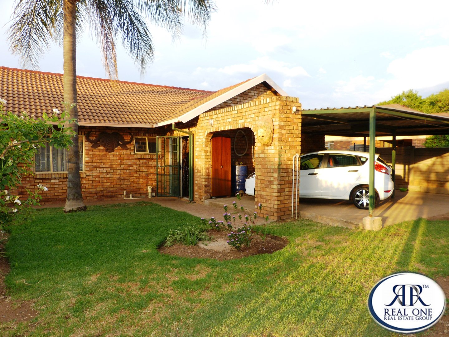 Property and Houses for sale in Claremont, House, 3 Bedrooms - ZAR 750,000