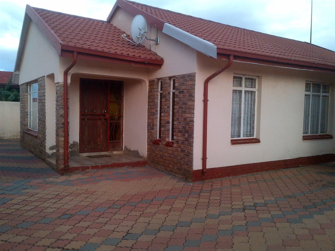 Sebokeng Zone 17 property for sale. Ref No: 12790084. Picture no 15