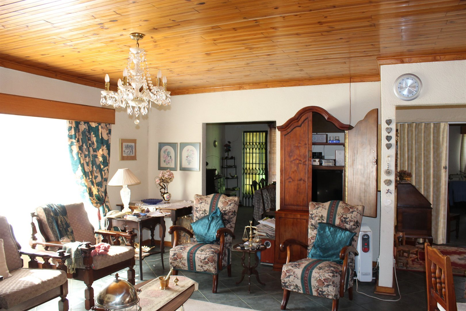 Suid Dorp property for sale. Ref No: 13508208. Picture no 3