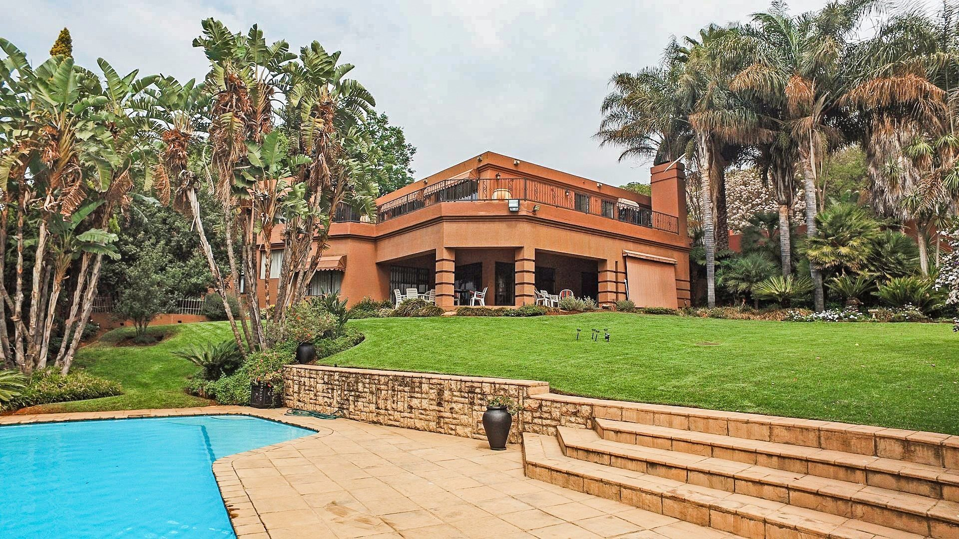Northcliff property for sale. Ref No: 13537074. Picture no 29